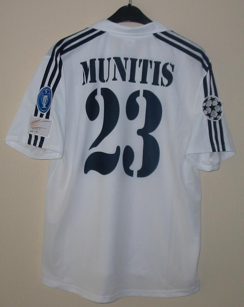 real madrid home shirt Photo